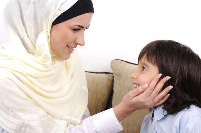 ibu yang sedang mengatasi katakutan pada anak